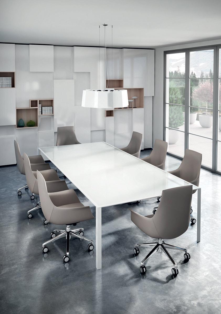 Poltrone sedie ufficio arredo in stile napoli for Design ufficio napoli